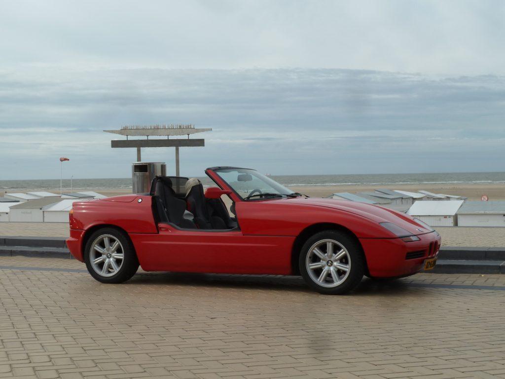 BMW Z1 rood strand